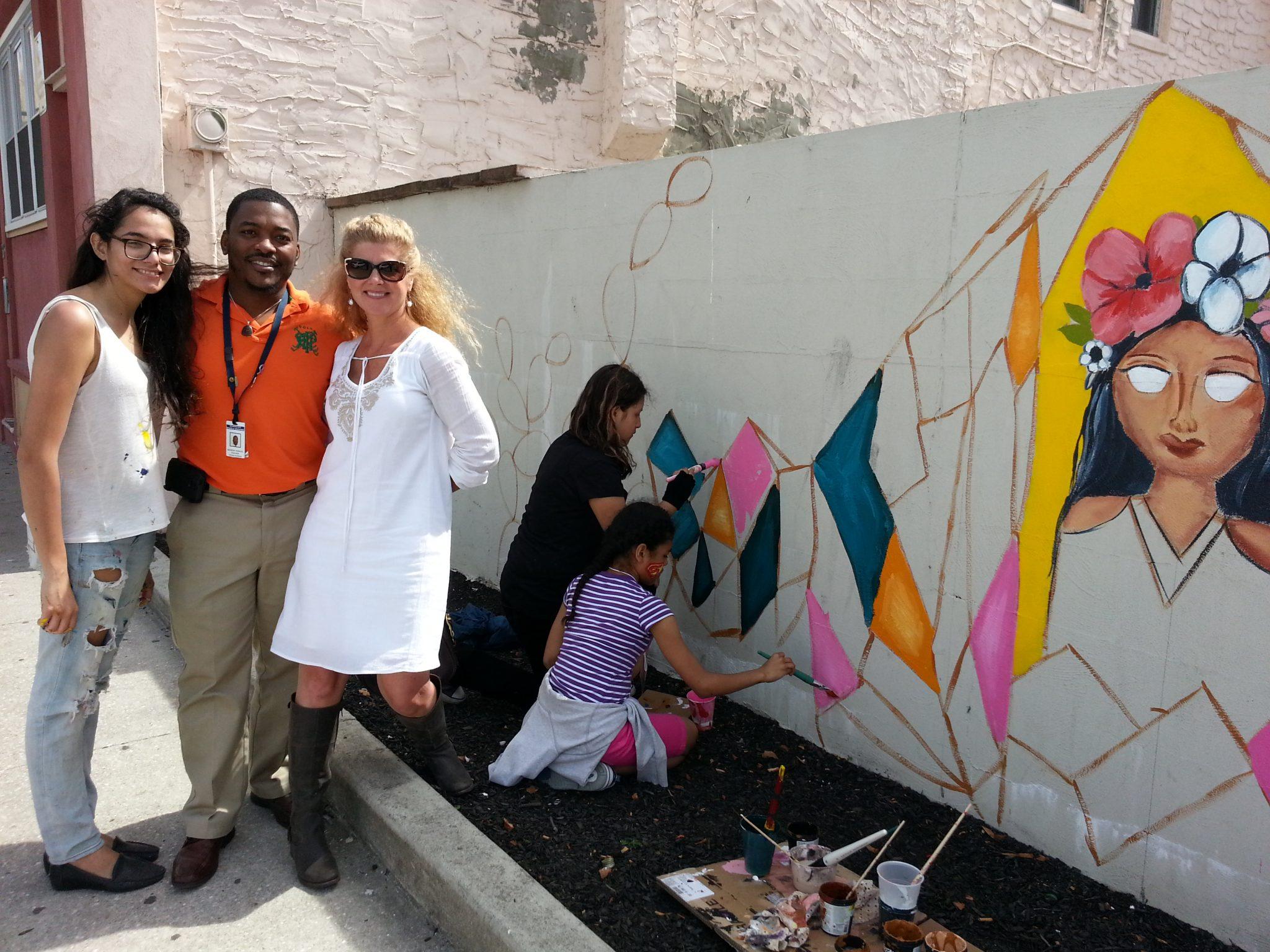 Georgia Avenue Mural - Artist Manuela Guillen, Teacher Andrew Parker, Atlantic City Arts Commission Chairwoman Donna Marie Shea, Texas Avenue School Students