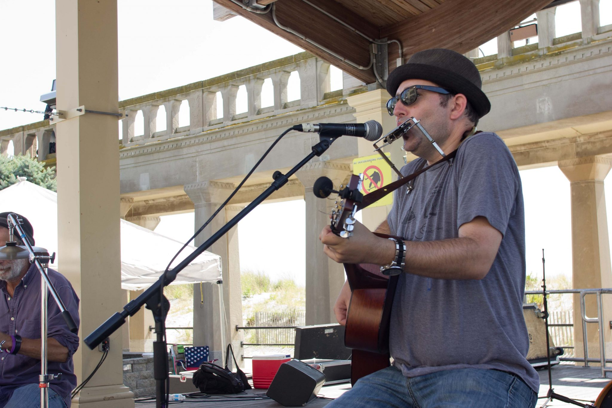 2015 Atlantic City Boardwalk Art Show - Musician Jeff Schwachter at Kennedy Plaza